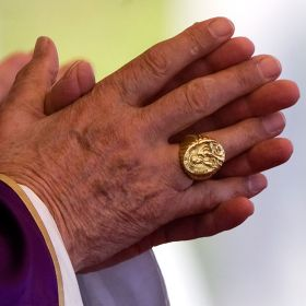 Pope Benedict XVI's Ring - click to go to large image